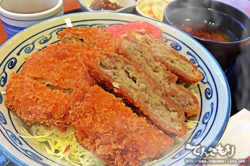 写真_メンチカツ丼