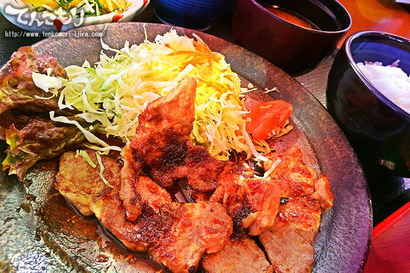 写真_生姜焼き定食(山県ボーノポーク)